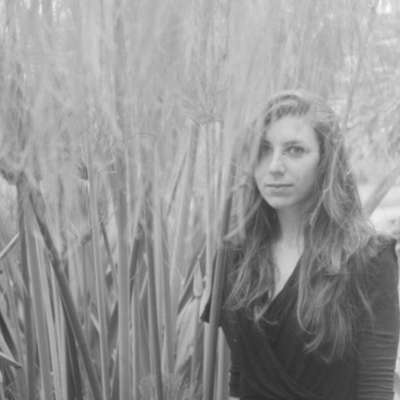 Julia Holter shares 'Don't Make Me Over' Dionne Warwick cover
