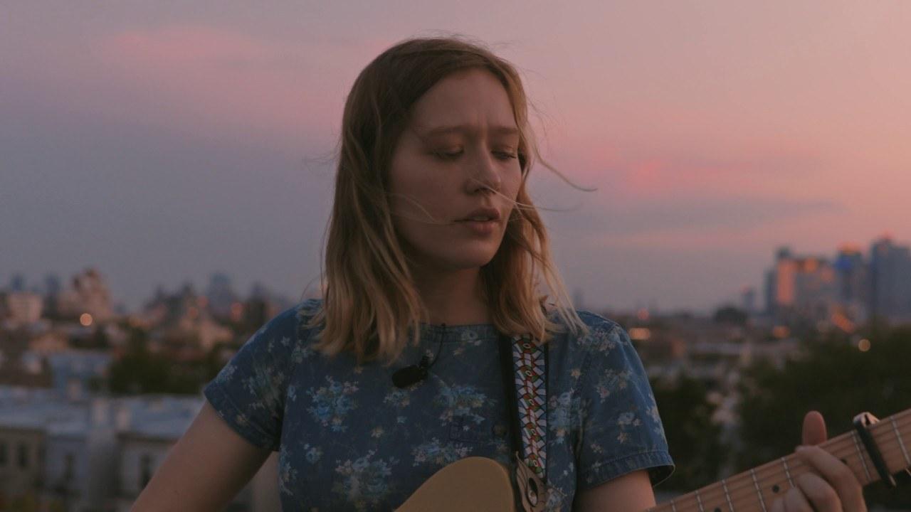 Watch Julia Jacklin play 'Eastwick' on a Brooklyn rooftop