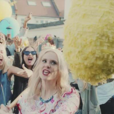 Kate Nash throws a party in her mum's garden for 'Good Summer' video
