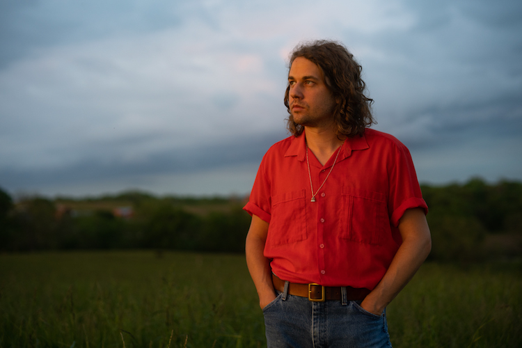 Kevin Morby shares new track 'Sundowner'