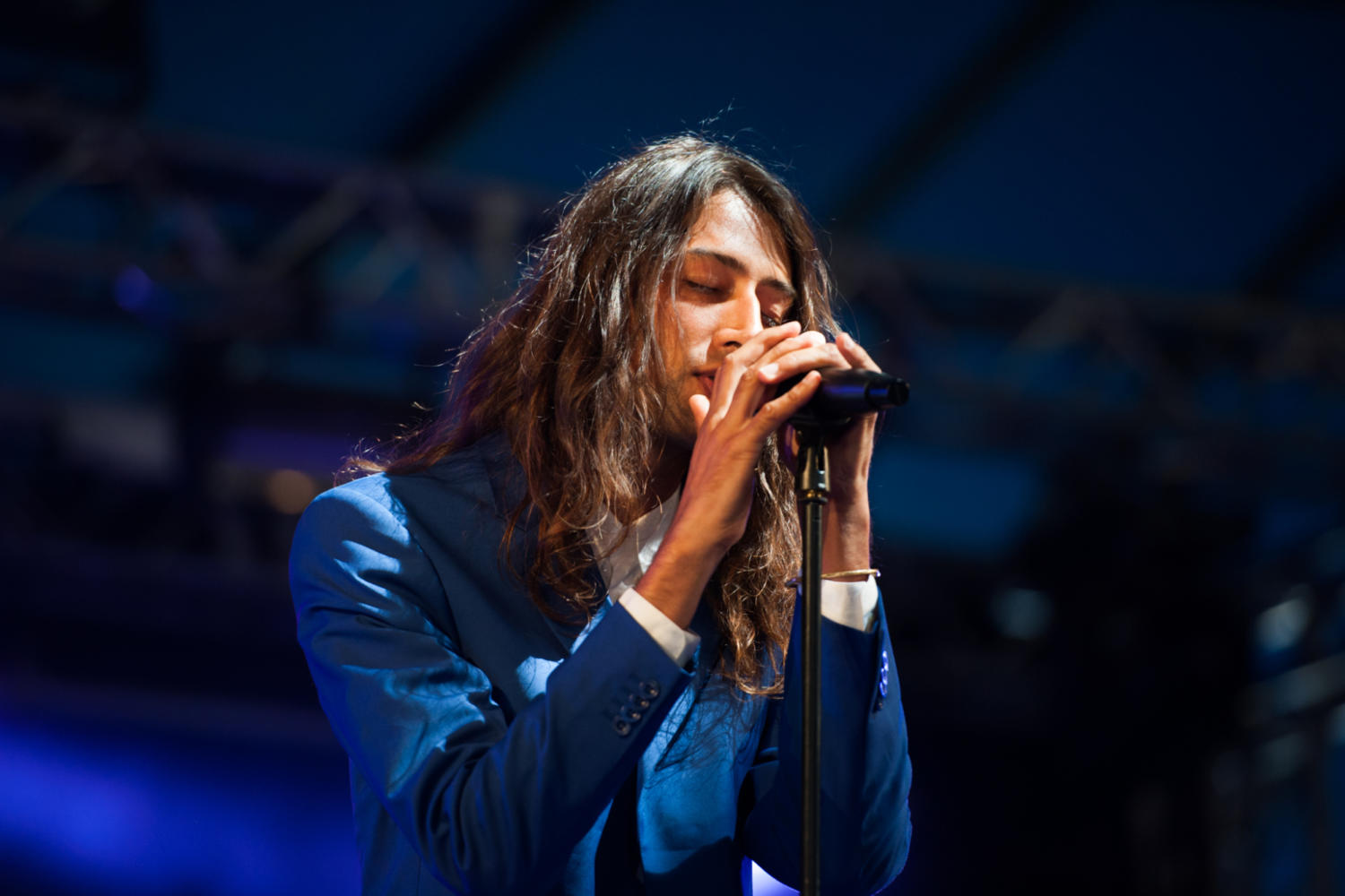 Kindness wakes up Latitude 2015's Sunday snoozers