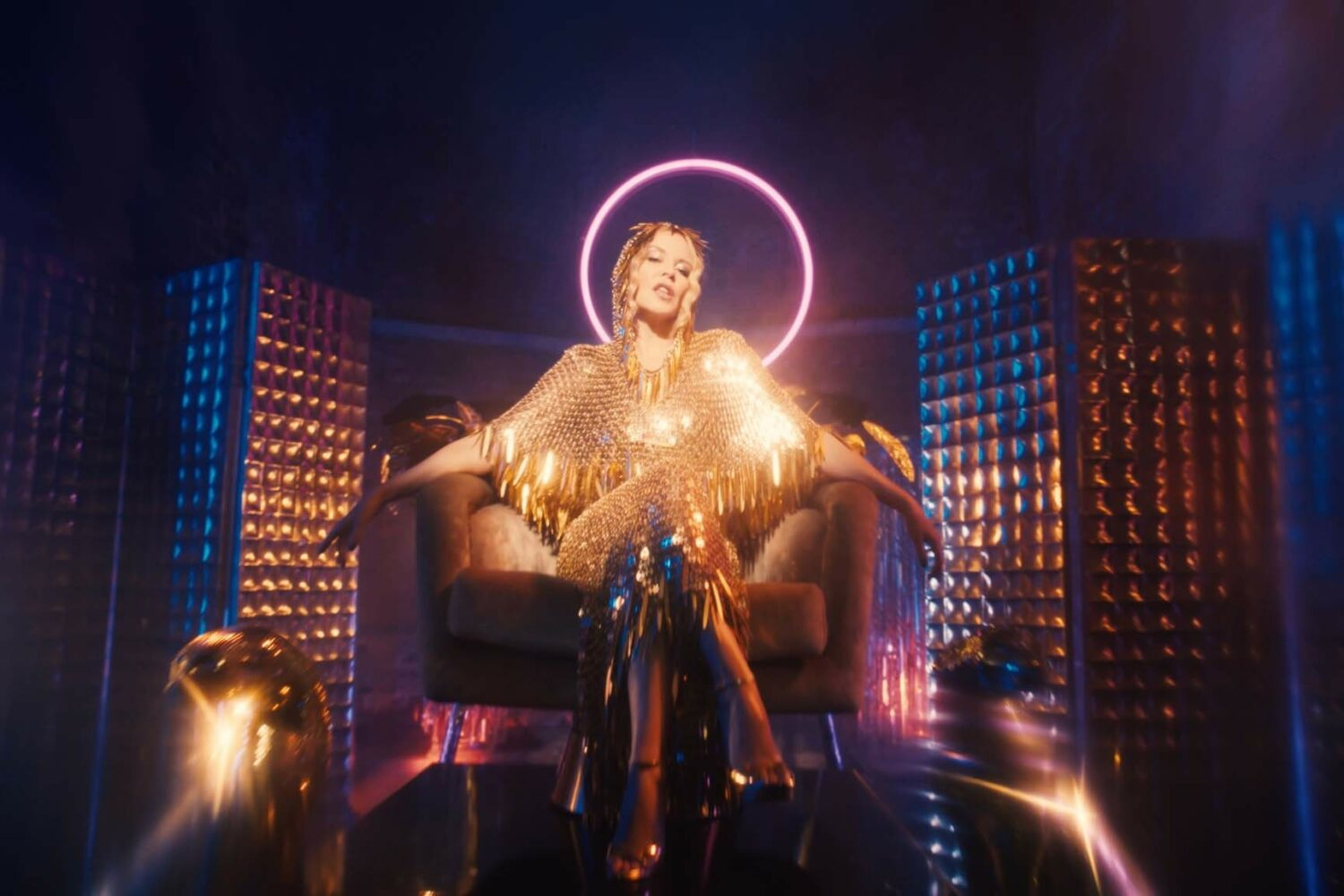 Kylie announces 'Infinite Disco'