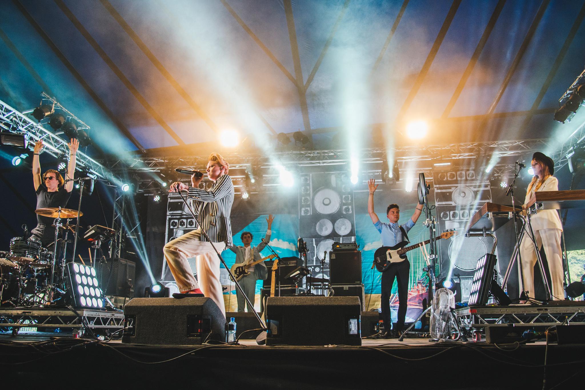 La Roux gives electro-pop a striking edge at Latitude 2015