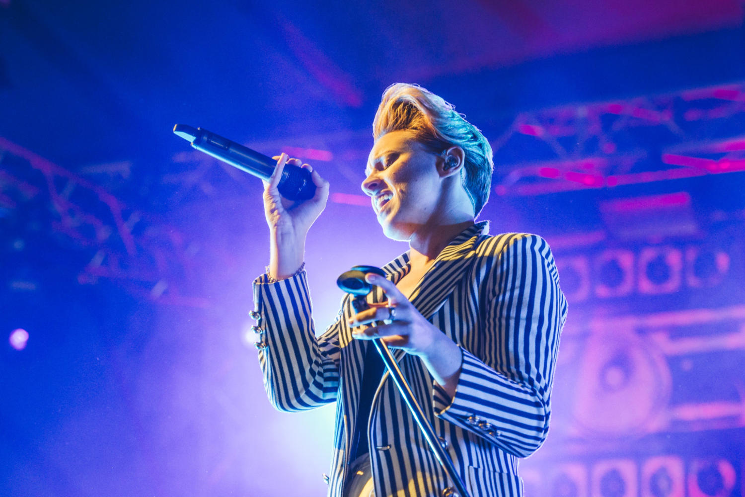 La Roux gives electro-pop a striking edge at Latitude 2015