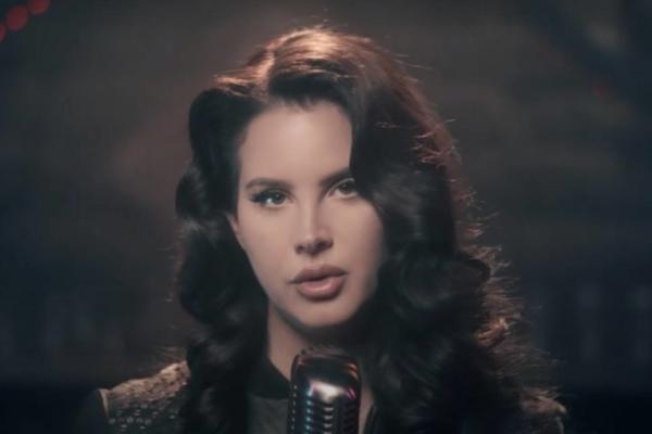 Lana Del Rey performs 'Let Me Love You Like A Woman' on Jimmy Fallon