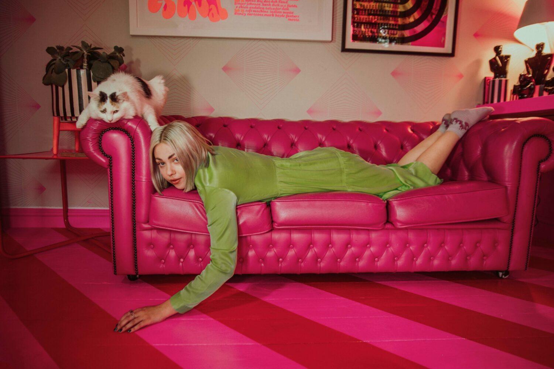 Lauran Hibberd drops new track 'Bleugh'