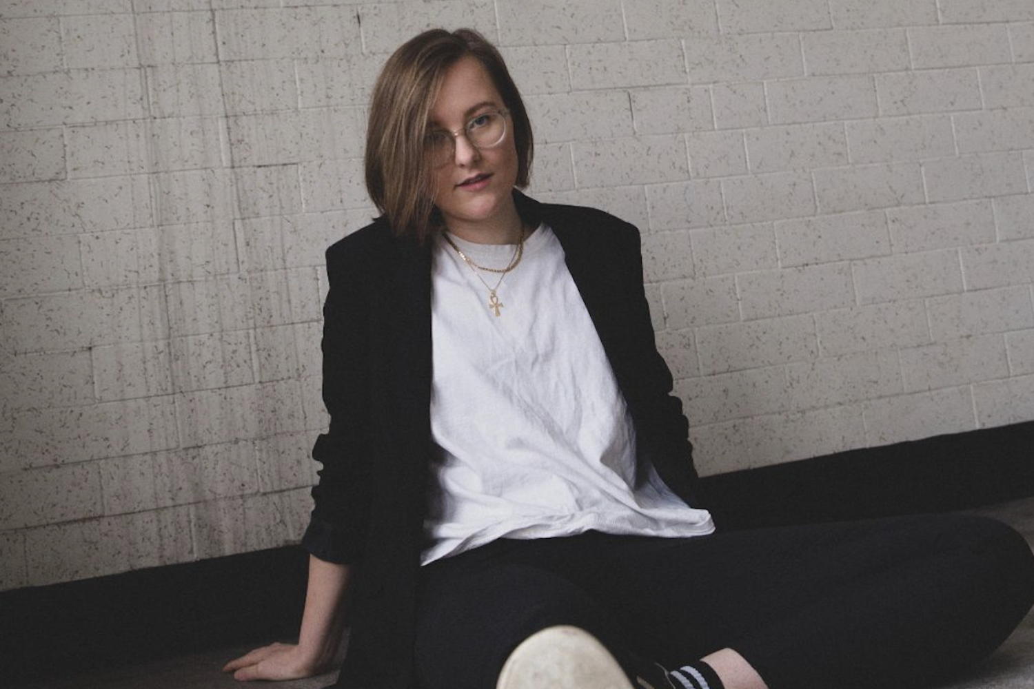 Lindsay Munroe unveils new single 'Need A Ride'
