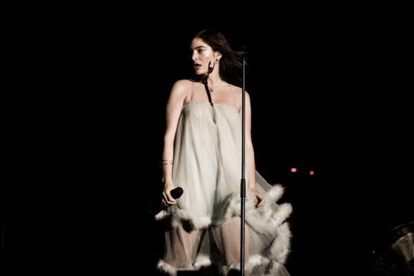 Lorde covers Bruce Springsteen with Marlon Williams