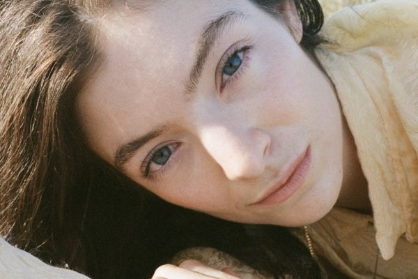 Lorde reveals new single 'Mood Ring'
