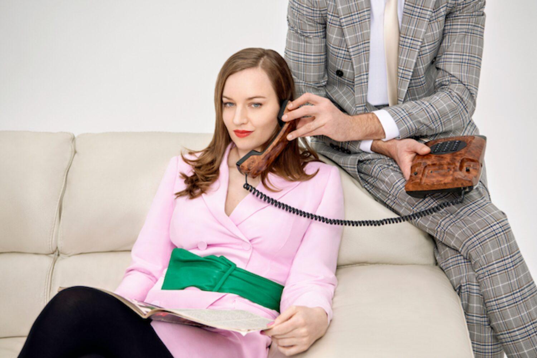 Lou Hayter shares new single 'Telephone'