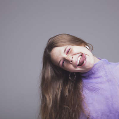 "Maggie Rogers shares ""parting gift"" 'Split Stones', hinting at a break"