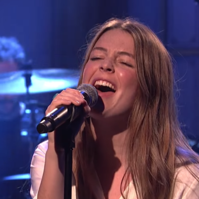 Watch Maggie Rogers bring 'Light On' and 'Fallingwater' to SNL