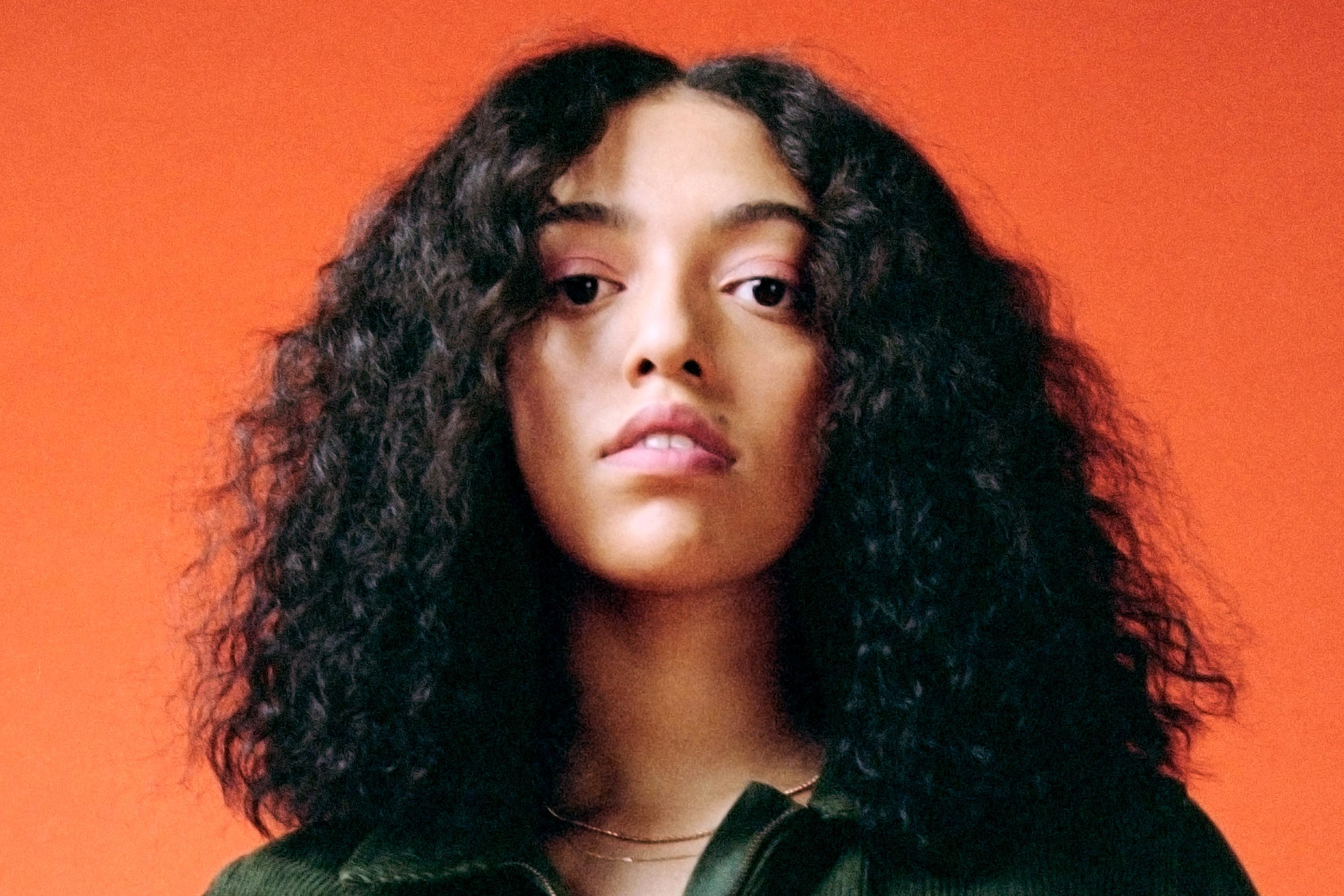 Mahalia airs new single, 'Do Not Disturb'