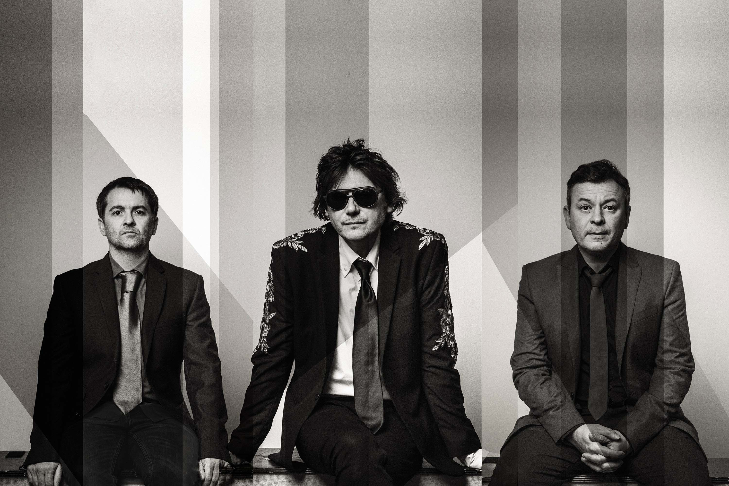 Manic Street Preachers announce new album 'Resistance Is Futile'