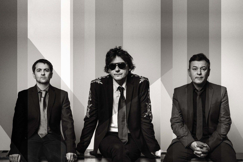 Manic Street Preachers announce new album 'Resistance Is Futile'