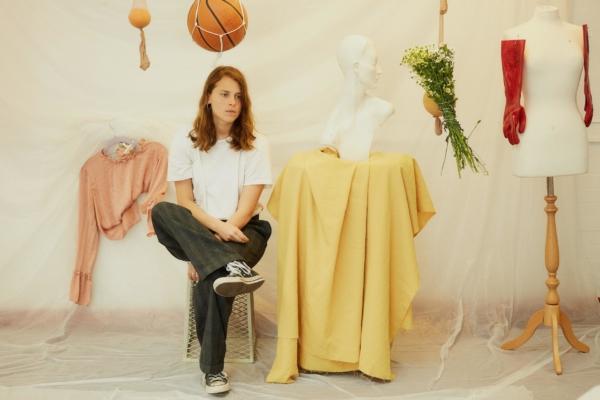 Marika Hackman unveils 'Any Human Friend' acoustic EP