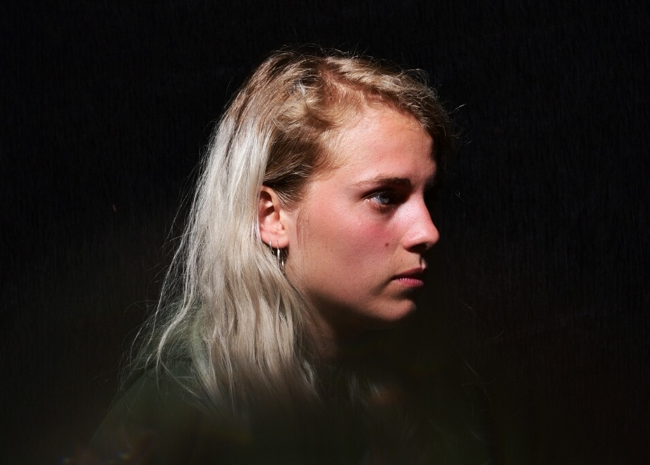 "Marika Hackman: ""I didn't want to go on with aliens crawling out of my throat while singing"""