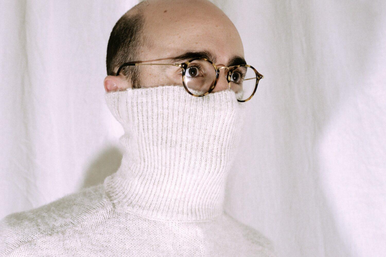Max Bloom shares new single 'Palindromes'