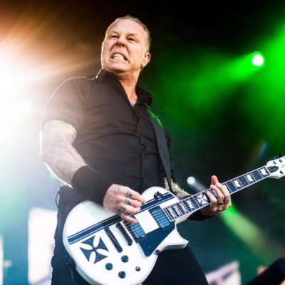 Metallica perform 'Enter Sandman' on The Late Late Show