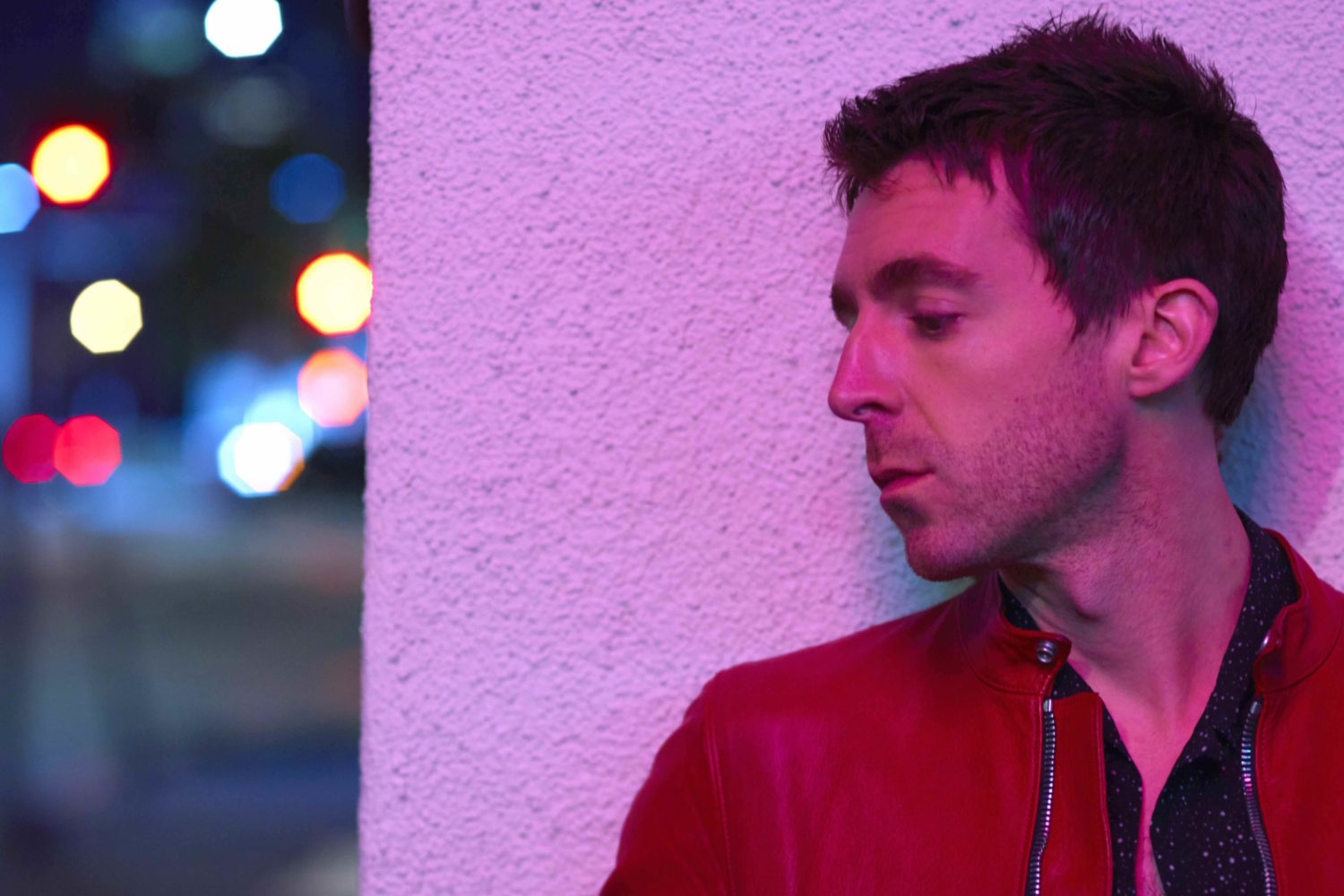 Miles Kane releases video for 'Cry On My Guitar'