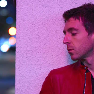 Miles Kane shares 'Cry On My Guitar'
