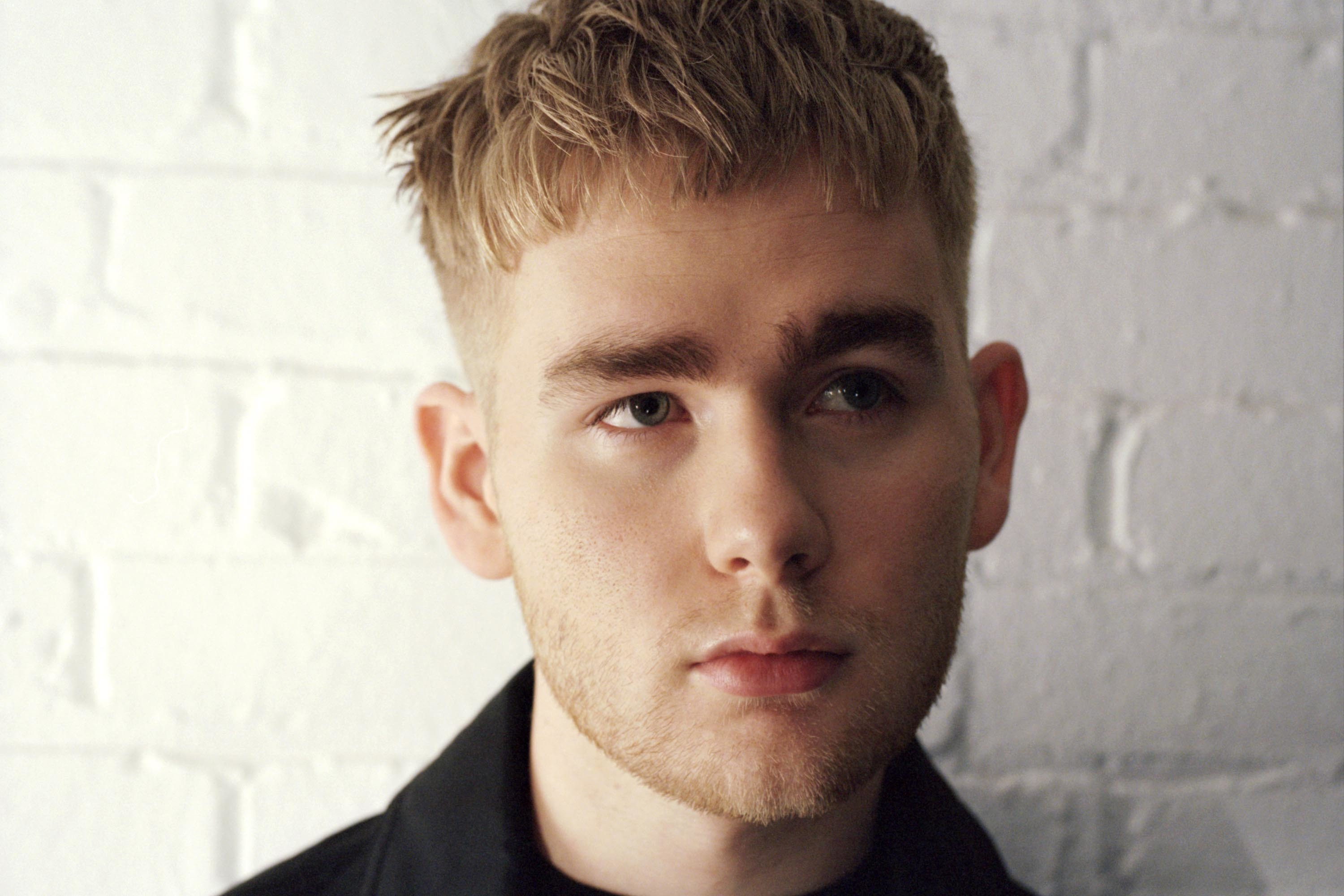 Mura Masa unveils video for Nao collaboration, 'Complicated'