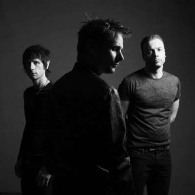 Muse cover Chvrches 'Lies' in the Live Lounge