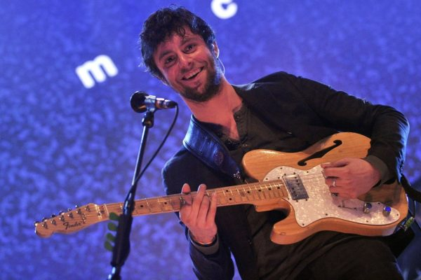 The Maccabees' Felix White steps in for injured Yannis for Foals' Mercury Prize performance