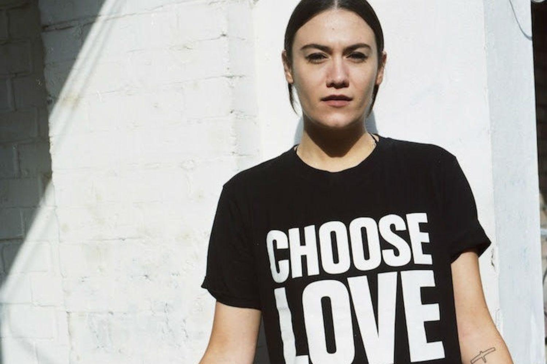 Nadine Shah takes aim on new track 'Yes Men'