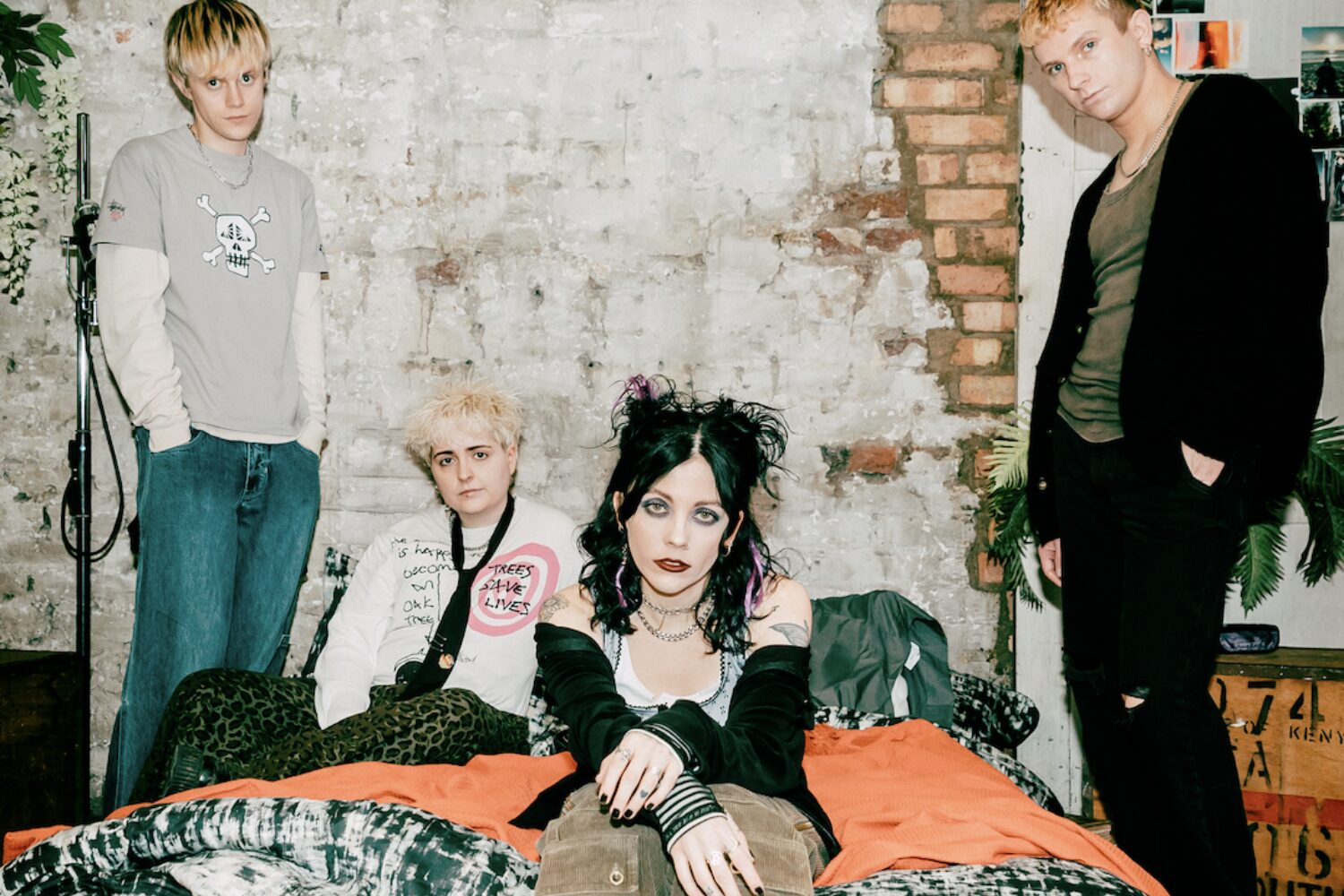 Pale Waves reveal new single 'Fall To Pieces'