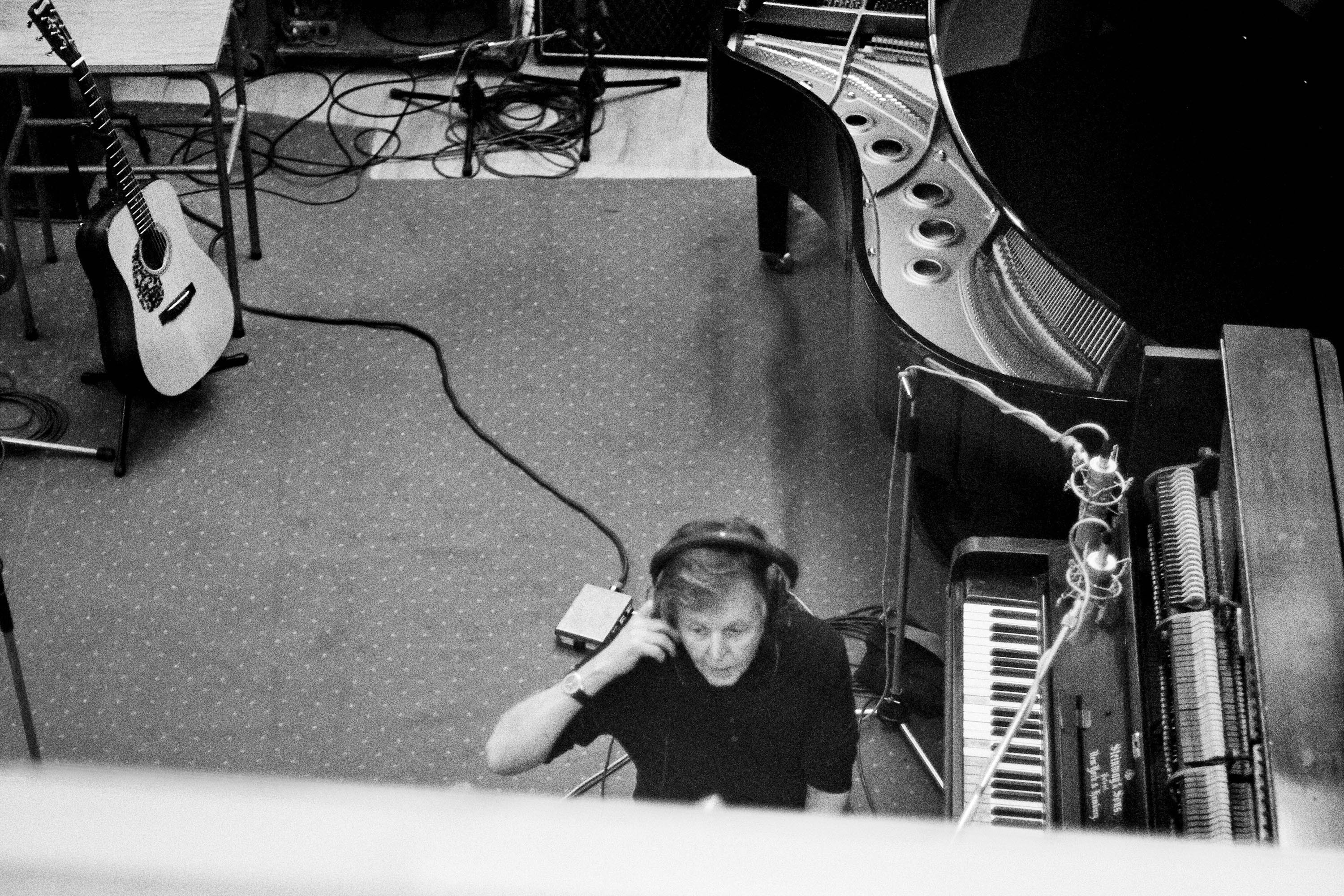 Paul McCartney announces new AA-side 'I Don't Know'/'Come On To Me'