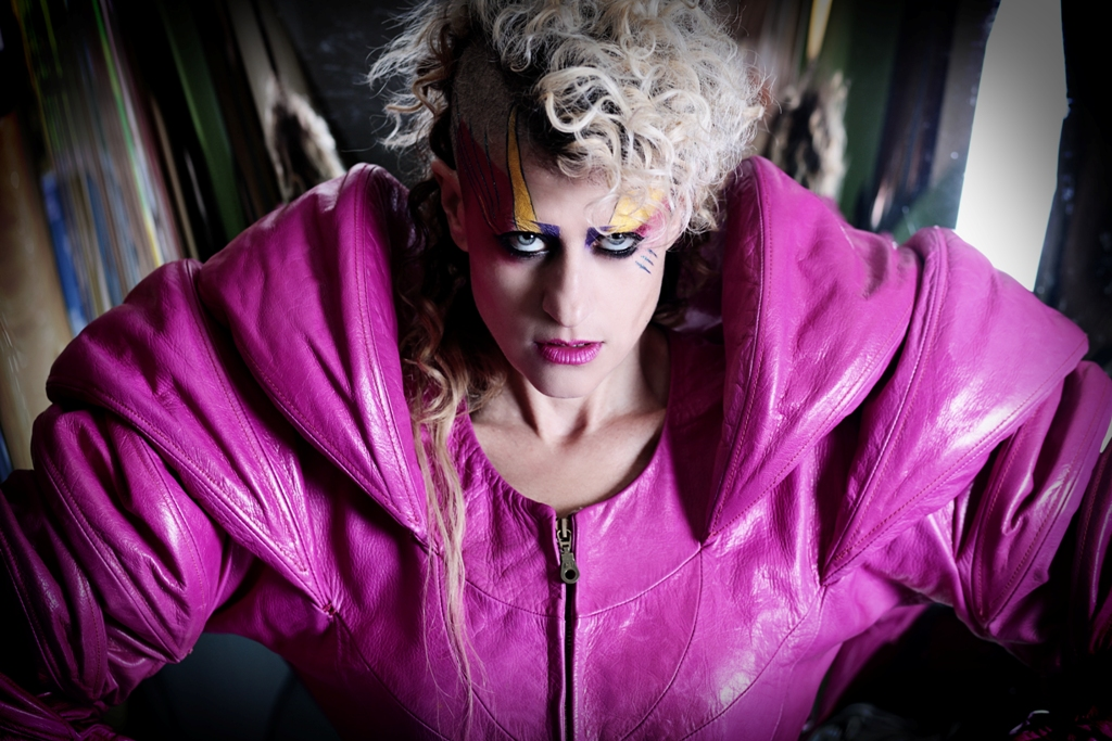 Peaches teams up with Yeah Yeah Yeahs' Nick Zinner for 'Bodyline'