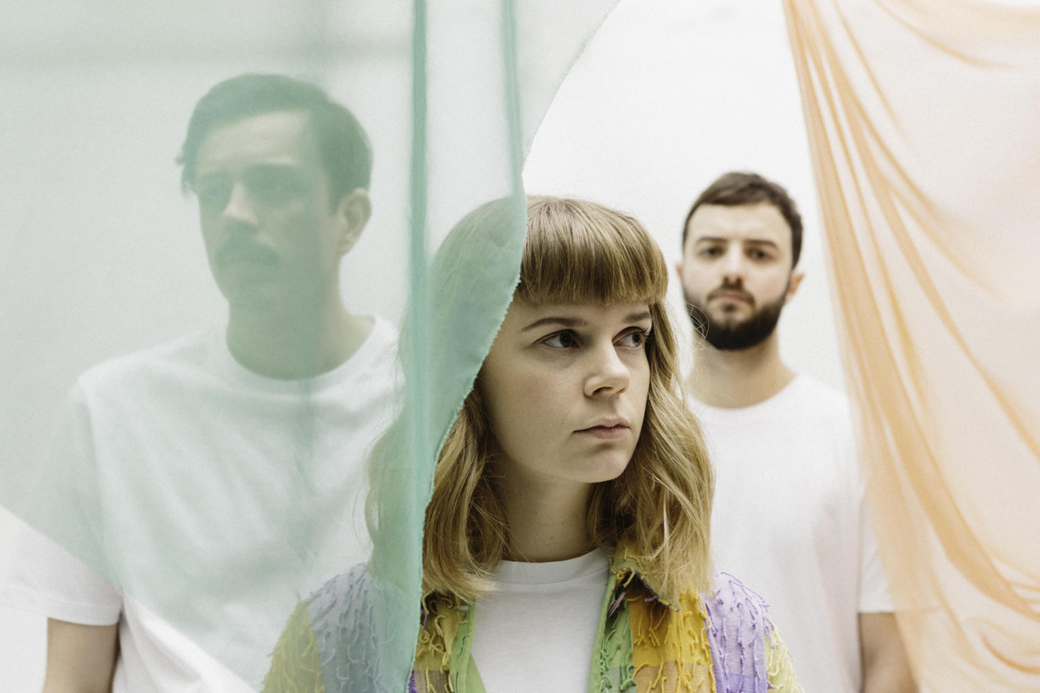 Leeds trio Peakes share the nighttime pop of 'Hole In The Floor'