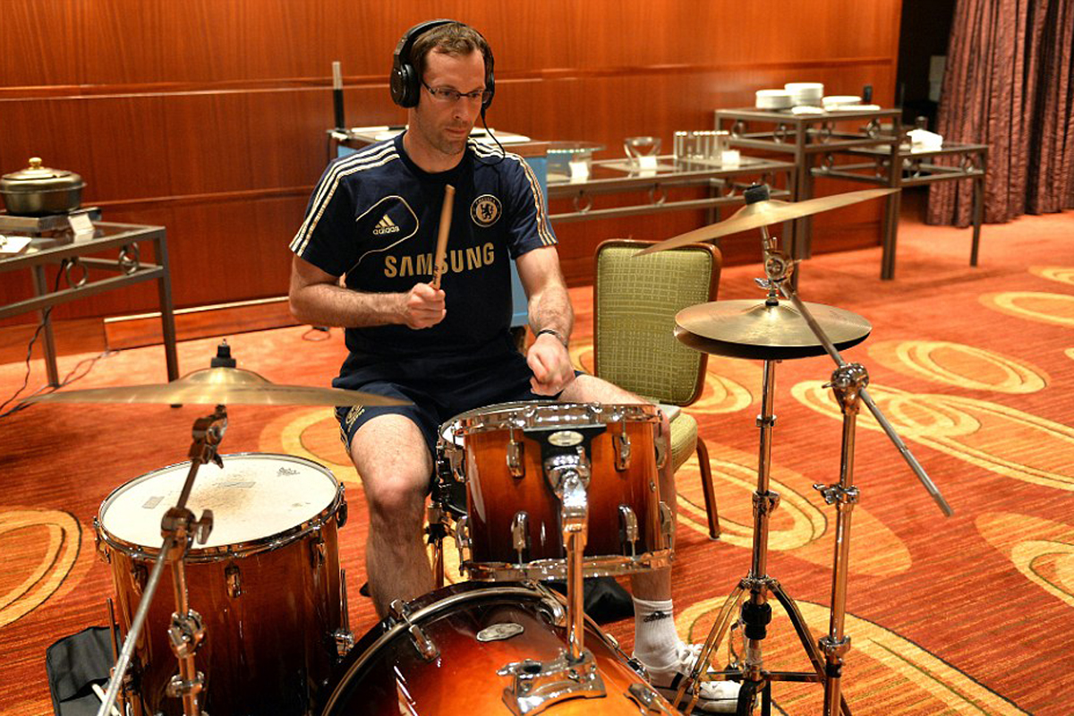 A guide to the majestic drumming of Petr Cech | DIY