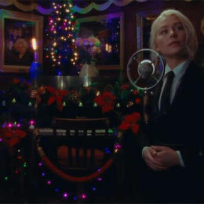 Phoebe Bridgers performs 'Savior Complex' on Jimmy Fallon