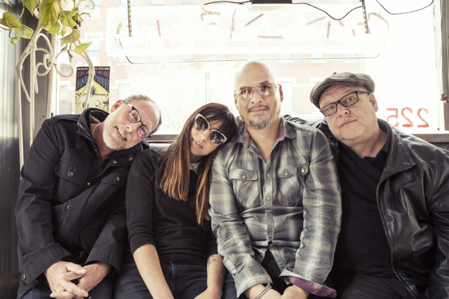 Stream Pixies' 'Head Carrier' in full