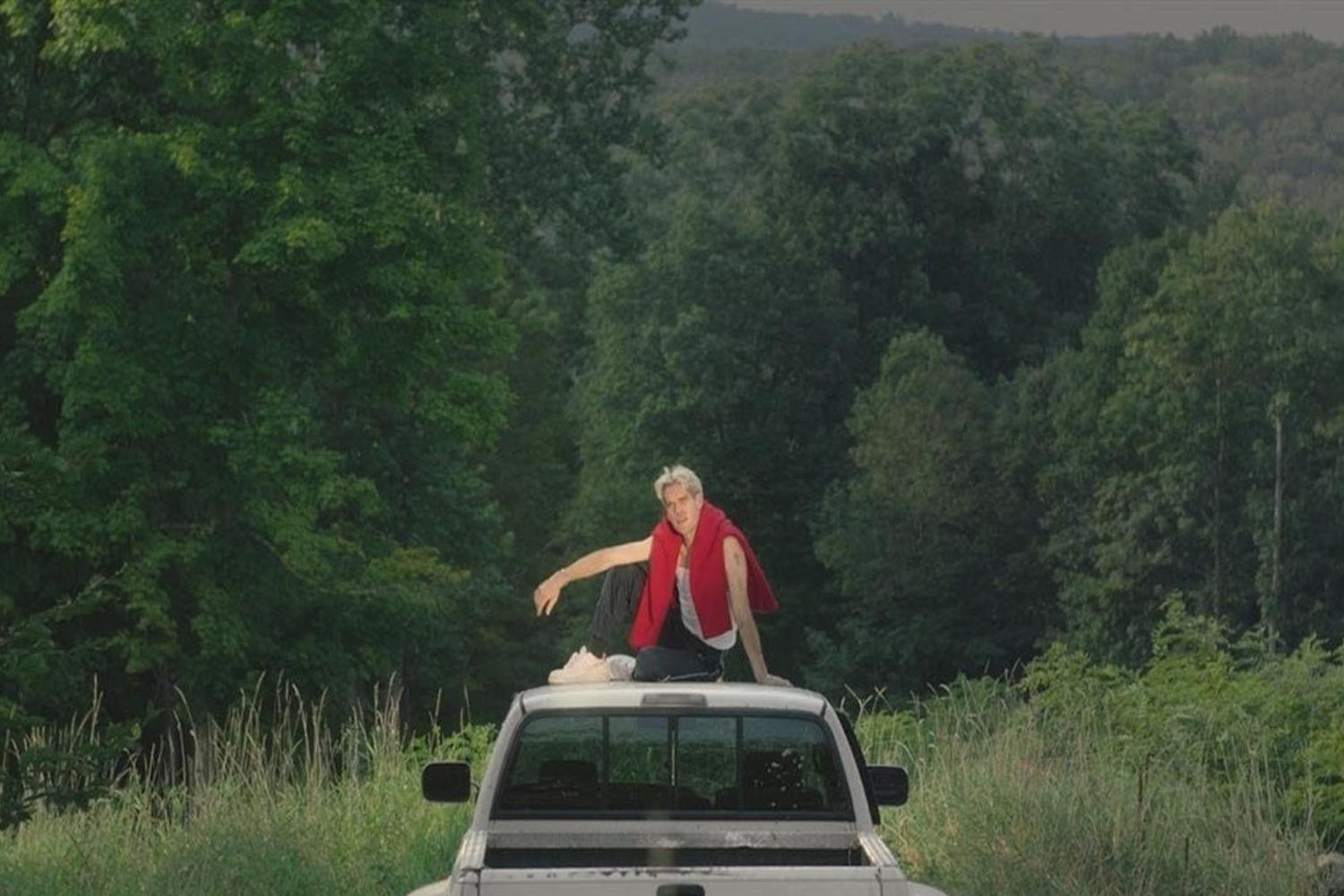 Porches teams up with Dev Hynes on 'Country'