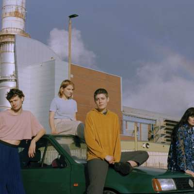 Porridge Radio unveil new single 'Circling'