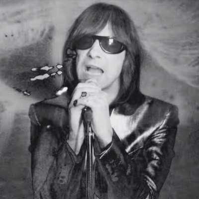 Primal Scream share video for 1986 track 'Velocity Girl'