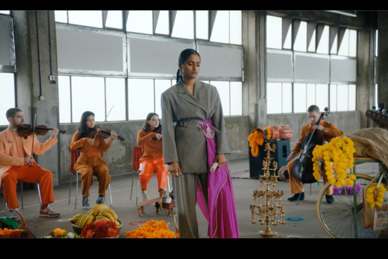 Priya Ragu performs 'Forgot About'