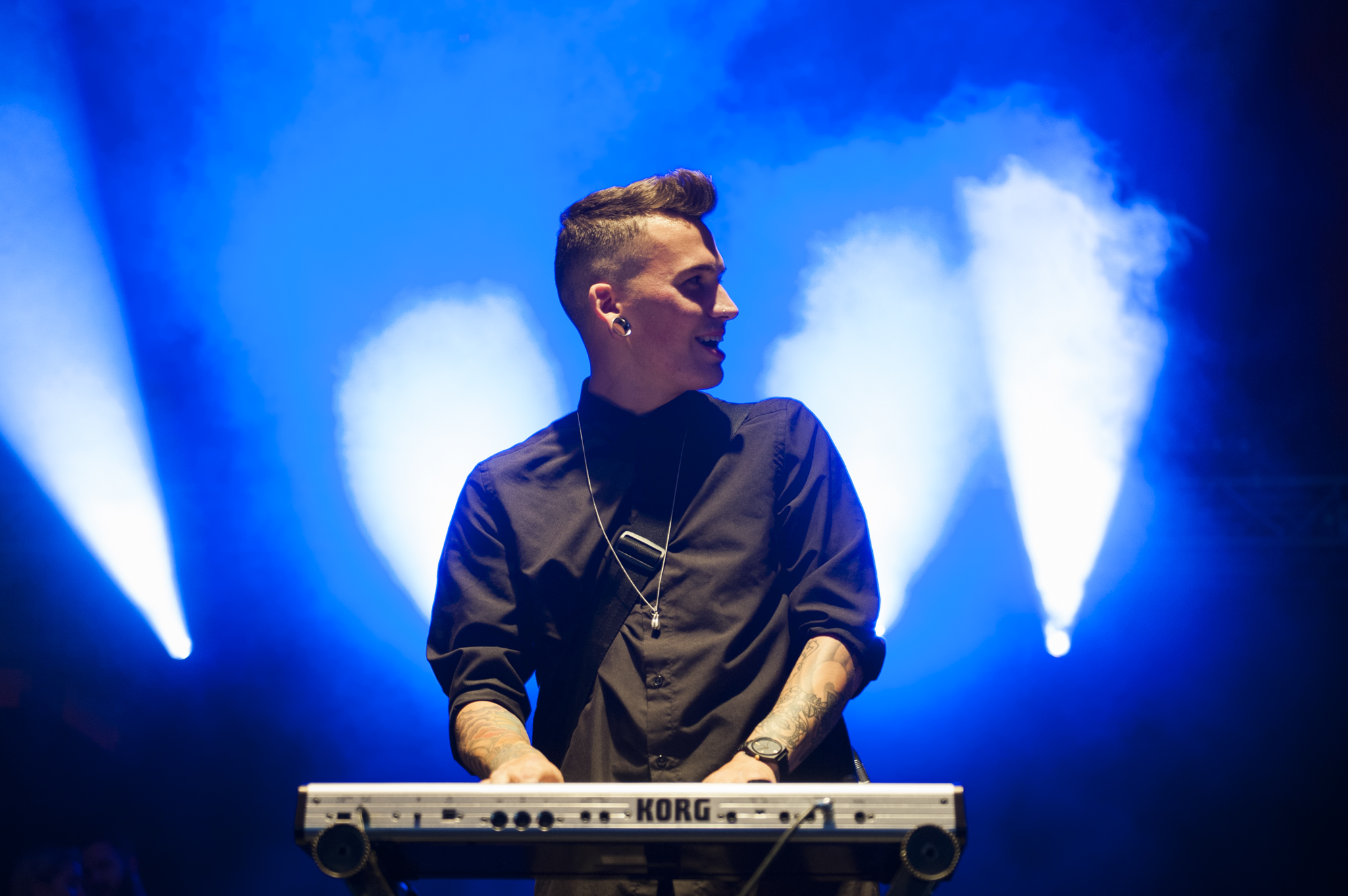 PVRIS pack out The Pit at Reading 2015