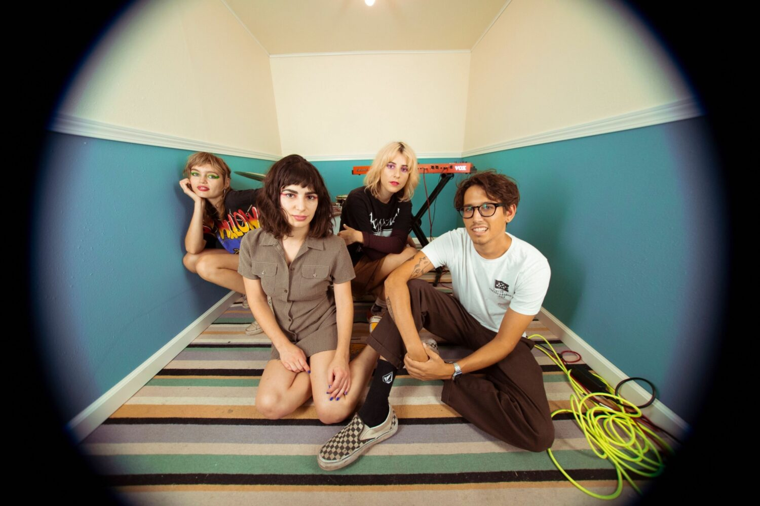 The Paranoyds share new video for 'Egg Salad'