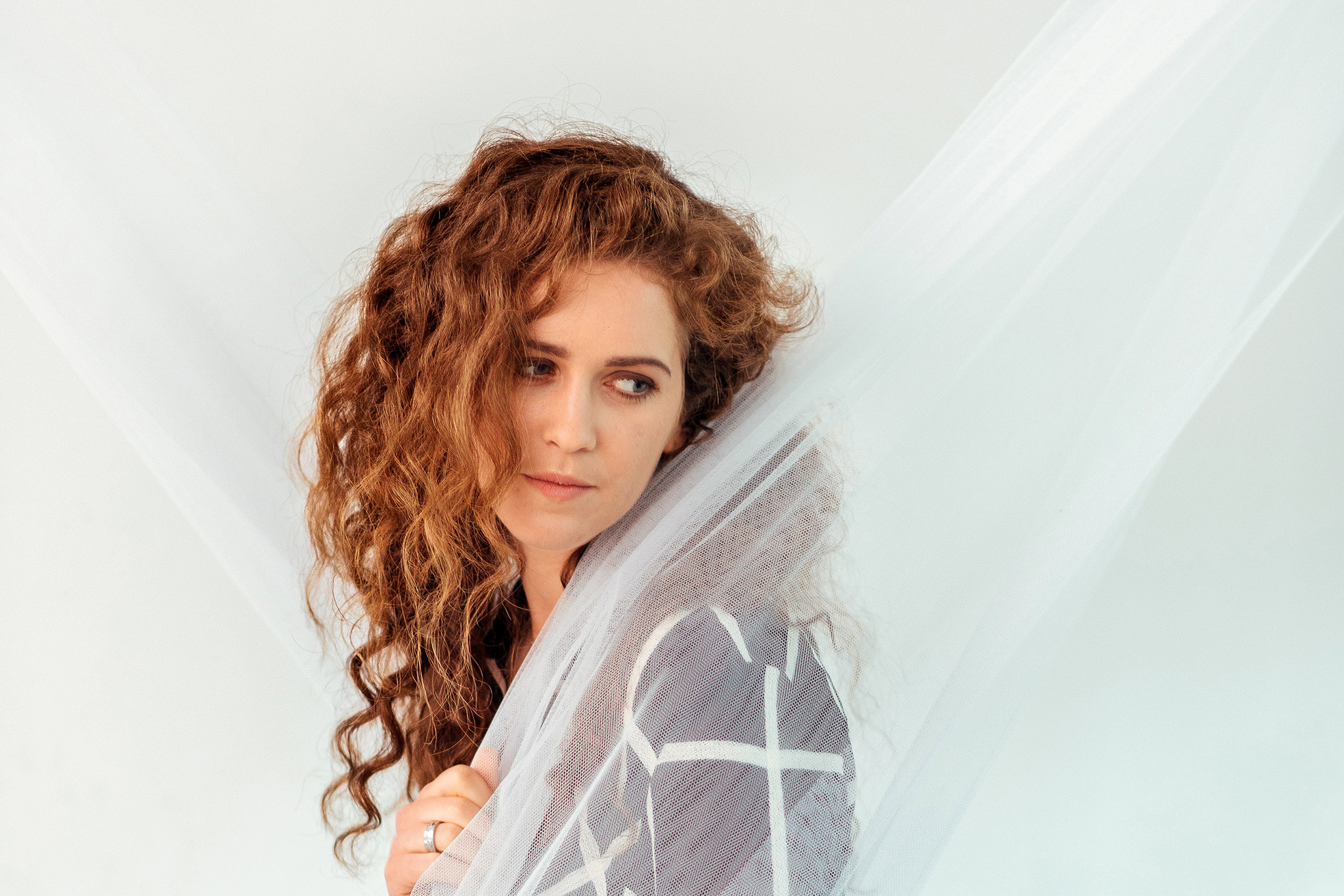 "Light it up, Rae Morris: ""I'm so relieved that I don't have any regrets"""