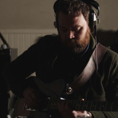 See Scott Hutchison perform Frightened Rabbit's 'Poke' on US television