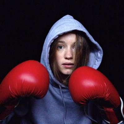 Sigrid shares vibrant 'Sucker Punch' video
