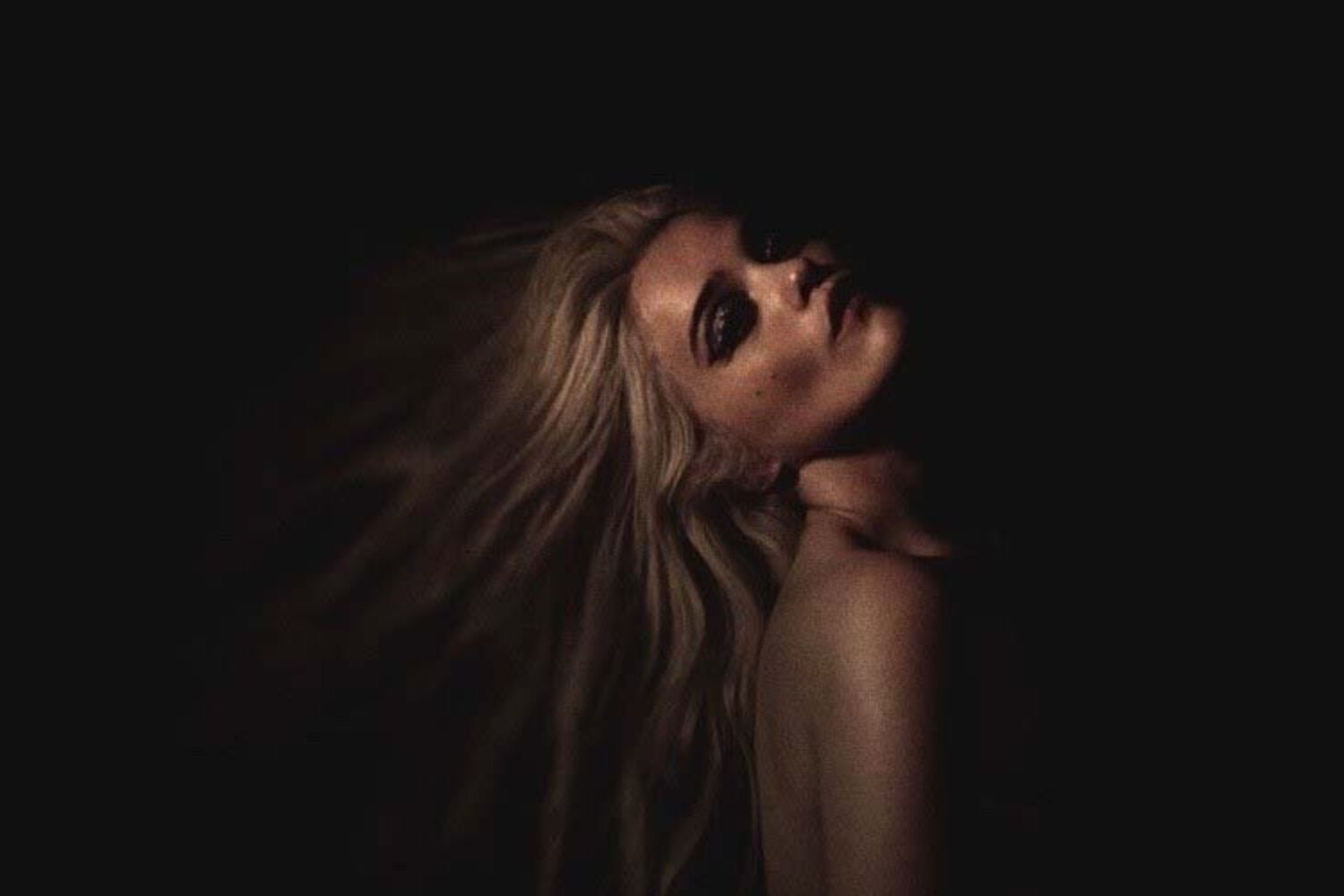 Sky Ferreira returns with 'Downhill Lullaby'