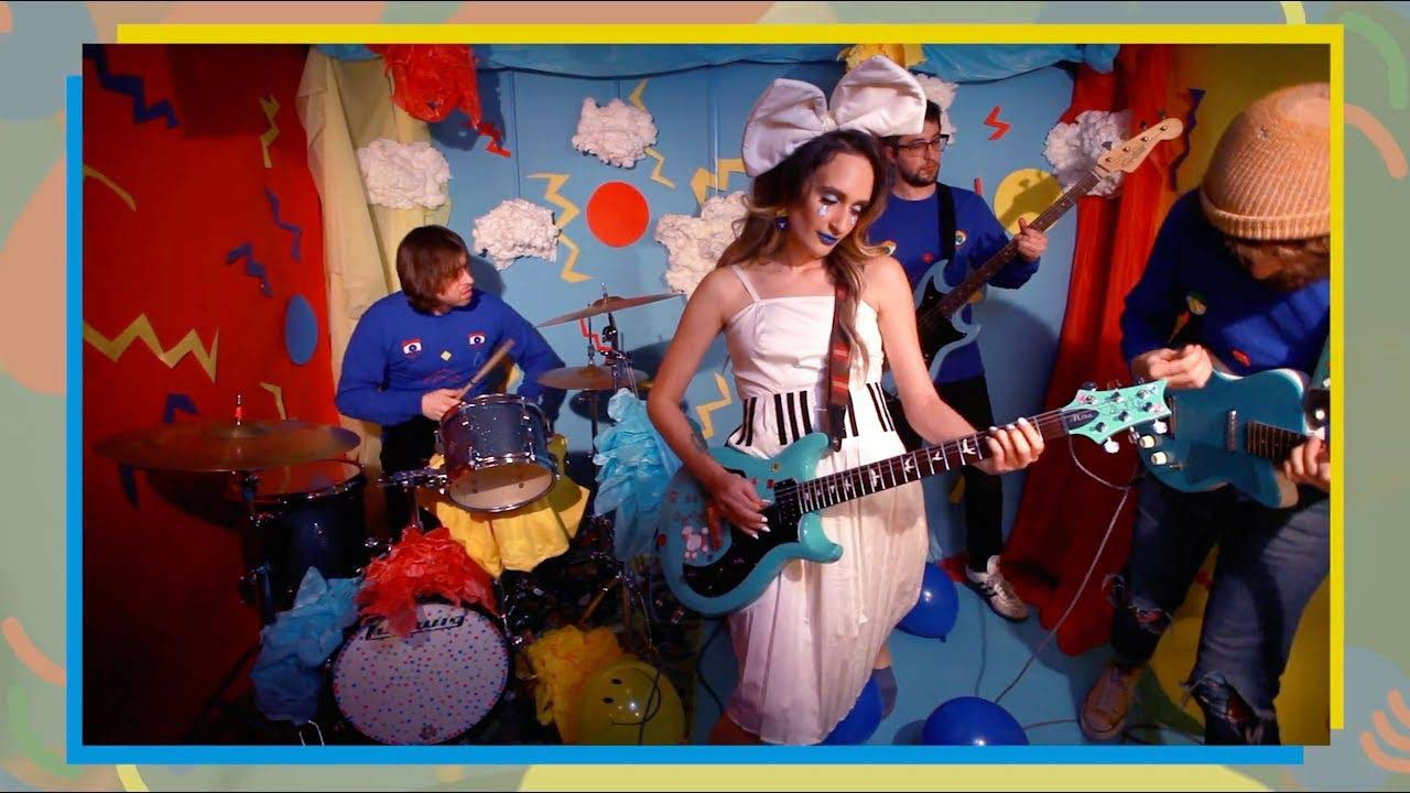 Speedy Ortiz share video for 'Lean In When I Suffer'
