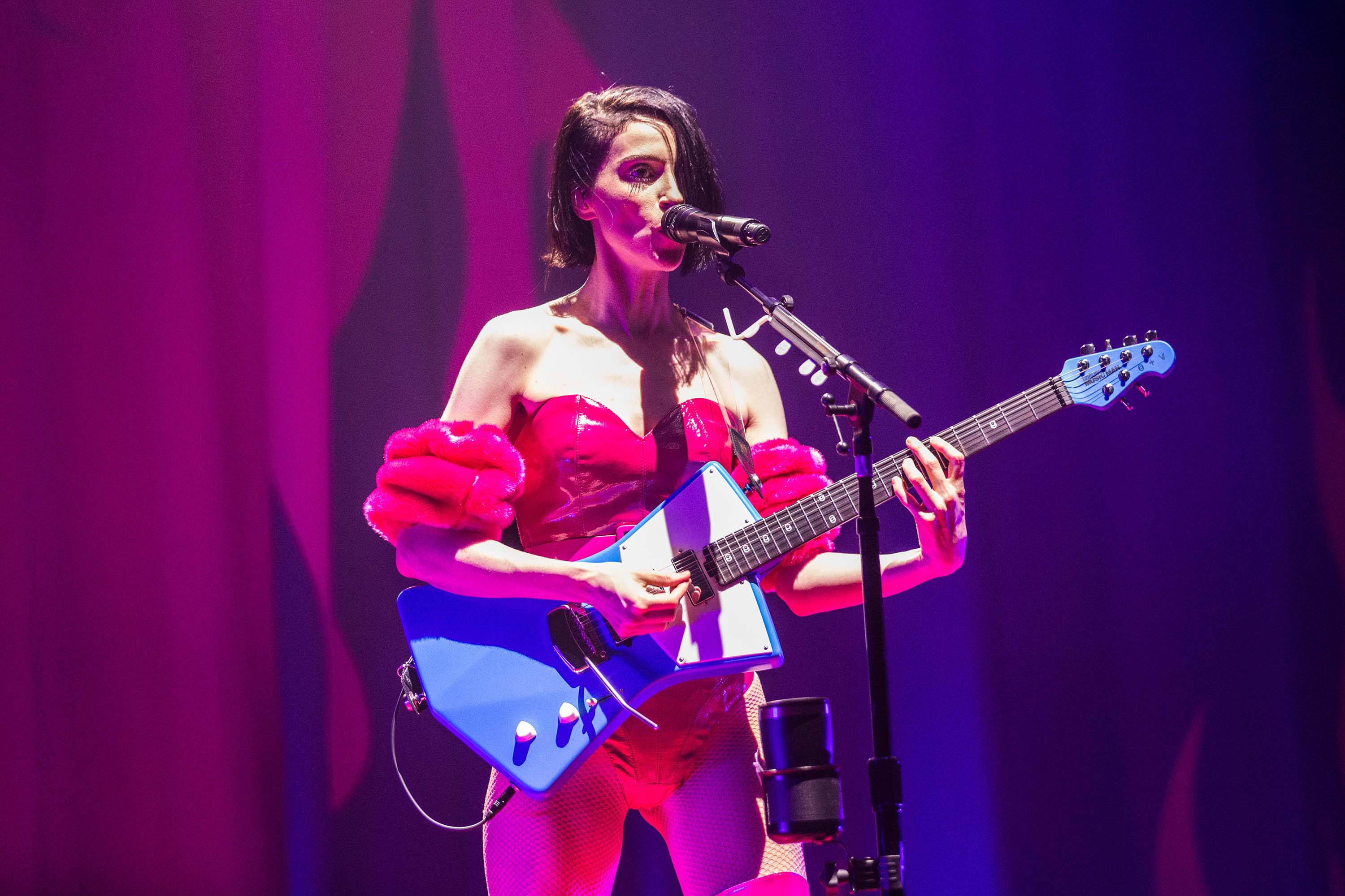 St Vincent set to perform with Dua Lipa at the 2019 Grammys