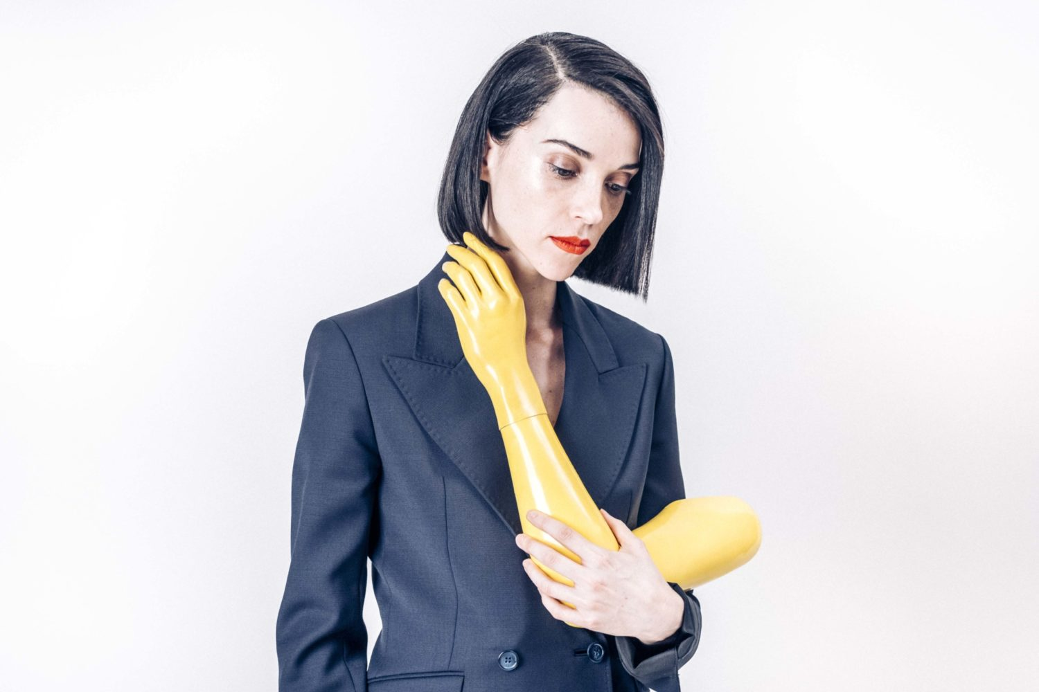 Laughing with fangs: St Vincent