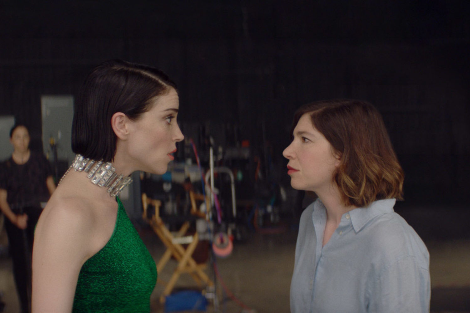 St. Vincent and Carrie Brownstein star in 'The Nowhere Inn' trailer